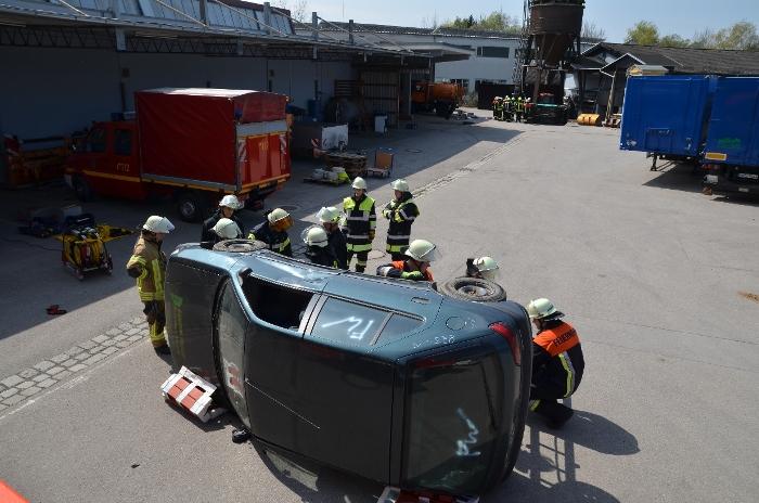 Technische Unfallrettung aus Pkw, Bild 2