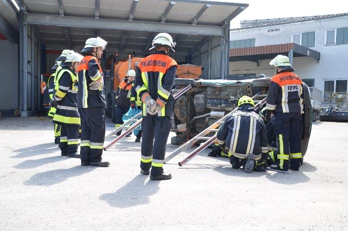 Technische Unfallrettung aus Pkw, Bild 3