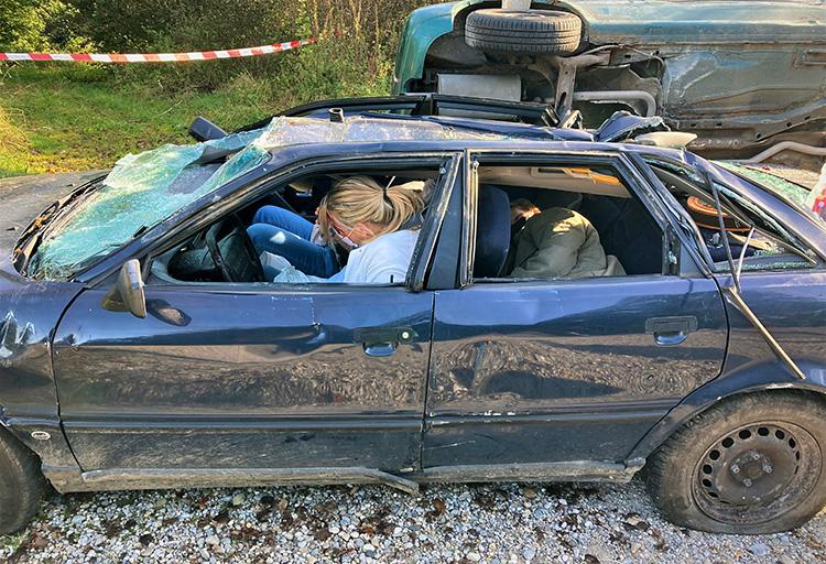 Katastrophenschutzübung 2021 - 02 Eingeklemmte Personen PKW